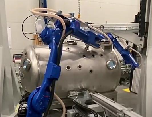 Vakuumgradning med robotar från Yaskawa